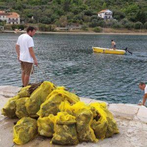 Otpad uklonjen iz podmorja u naselju Luka
